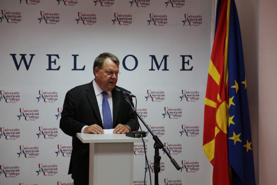 Холандски амбасадор: Не е само Бугарија, решете ја корупцијата за влез во ЕУ