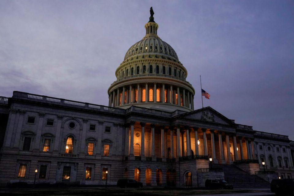Демократите го истуркаа спорниот нацрт-закон за реформи на изборниот процес