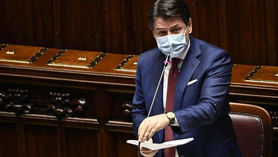 Падна владата на Италија: Премиерот Конте поднесе оставка