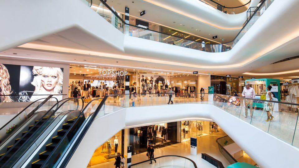 Денеска отвораат продавниците во Грција