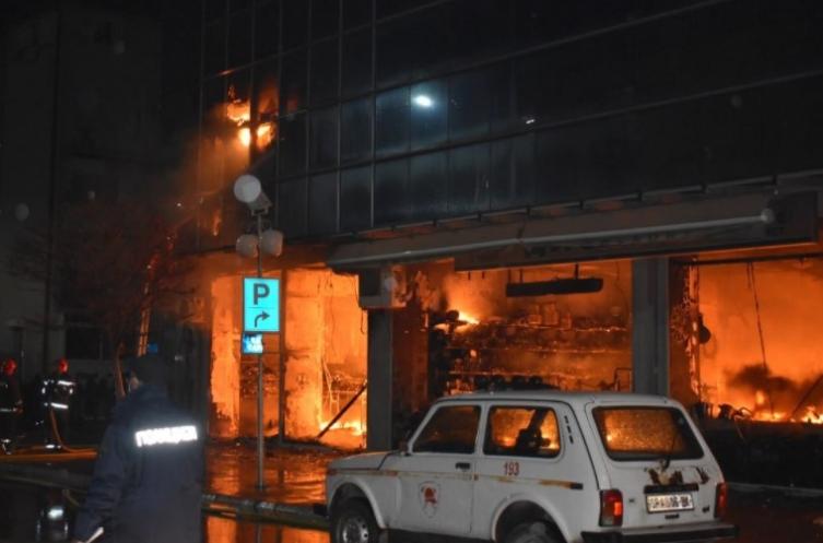 """По два месеца од пожарот, трговскиот центар """"Глобал"""" повторно отворен"""