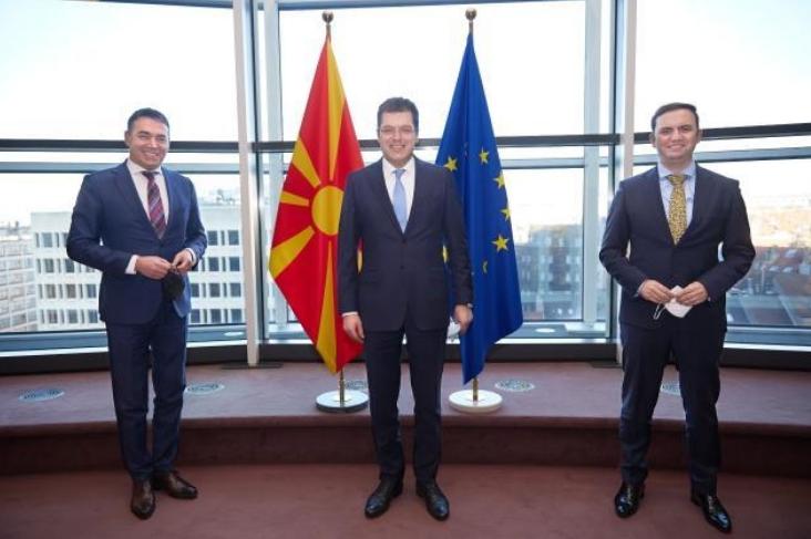 Османи и Димитров на средба со Ленарчич: ЕУ поскоро да обезбеди вакцини за регионот