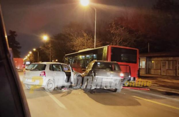 Нема повредени патници во сообраќајката во Автокоманда