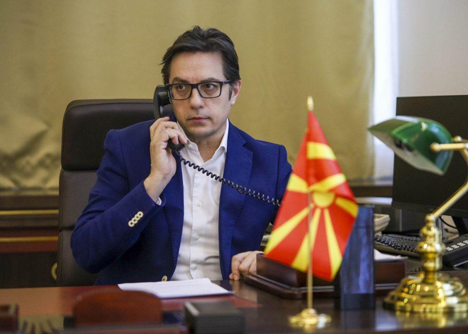 Ќе го потпише или не: Пендаровски се консултира со правни експерти за Законот за пописот