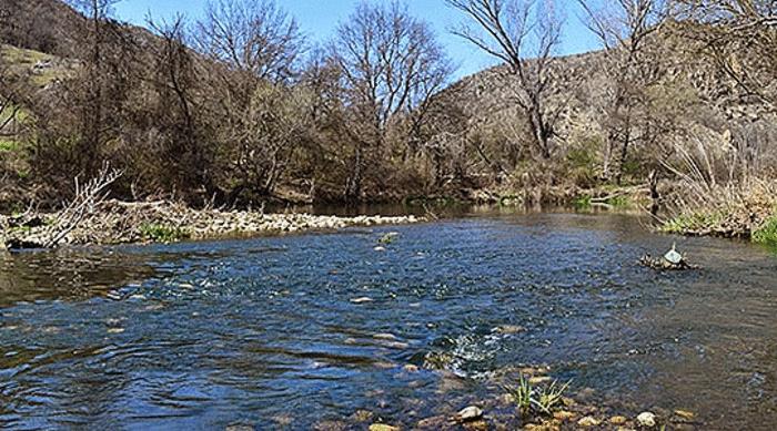 Предупредување од УХМР: Избегнувајте движење покрај реките поради зголемениот водостој
