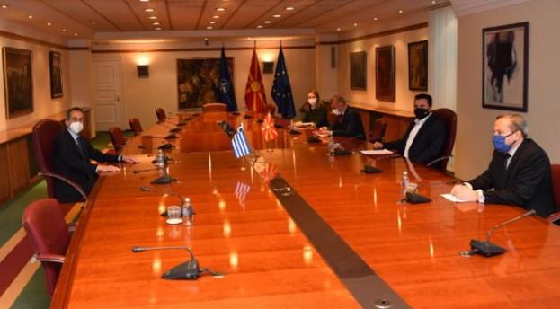 Заев се сретна со новиот грчки амбасадор Кундурос