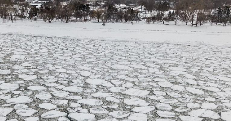 Двајца мажи се удавија во замрзнато езеро во Шведска, а еден ден претходно – четворица