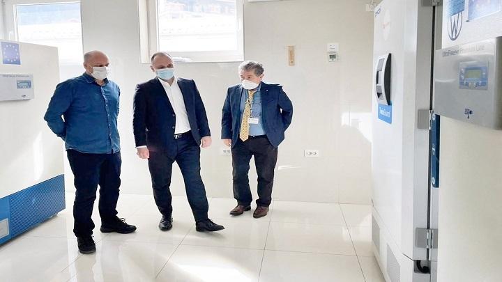 """Подготвени фрижидерите за чување вакцините од """"Фајзер"""""""