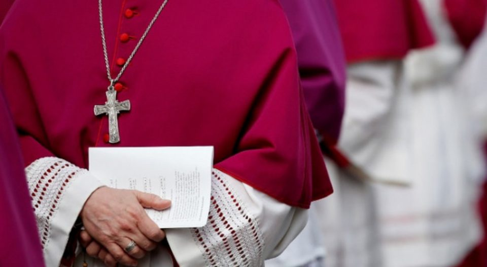 Католиците во Германија масовно ја напуштаат црквата поради аферите на кардиналите