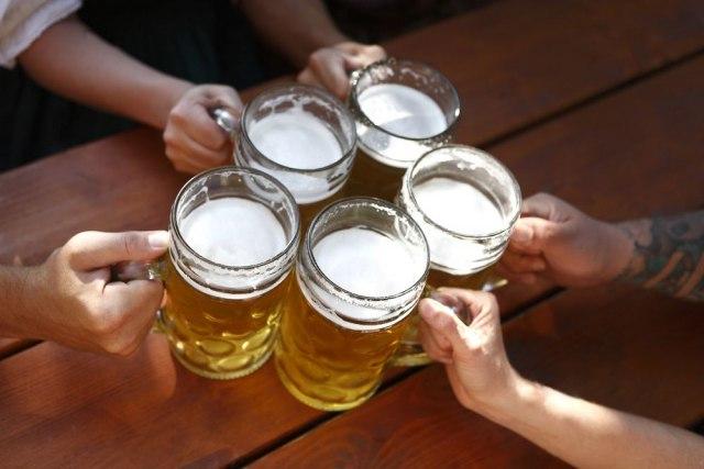 Пиварниците во Германија морале да фрлат пиво вредно милиони евра