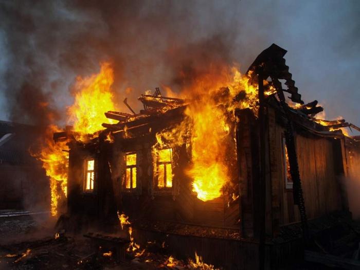 Пожар во куќа во скопско Сарај
