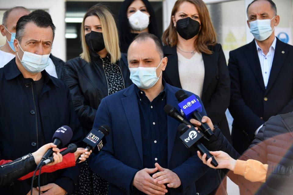 Филипче: Авансот е вратен за наша сигурност, но кинеските вакцини наскоро ќе пристигнат
