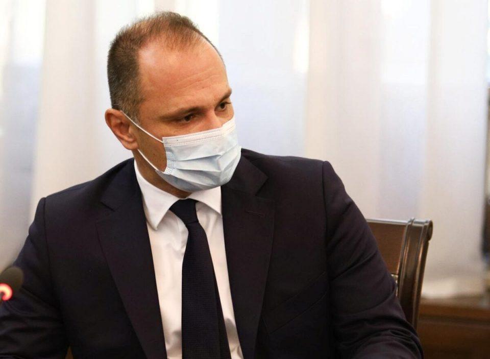 Филипче: Се соочуваме со навистина силен бран, приморани сме да препорачаме рестрикција