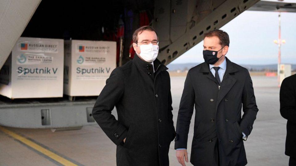 Руската вакцина Спутник ја подели словачката владејачка коалиција