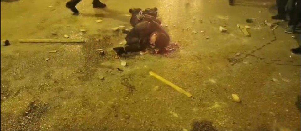 Инциденти на протестот во Атина: Молотови коктели, повредени полицајци,  уапсени лица