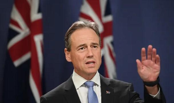 Австралискиот министер за здравство заврши во болница два дена по примање на вакцина против Ковид-19