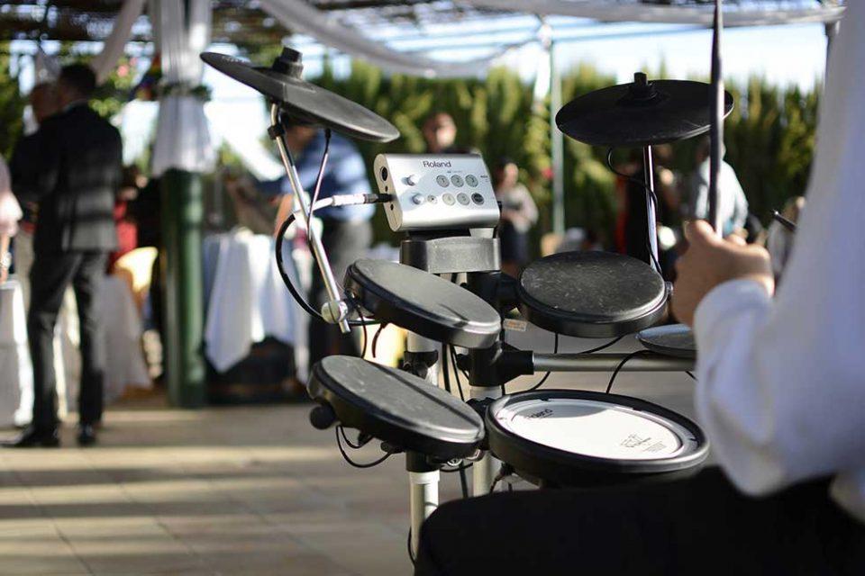 Музичарите не се согласуваат со новиот протокол на свадбарската индустрија