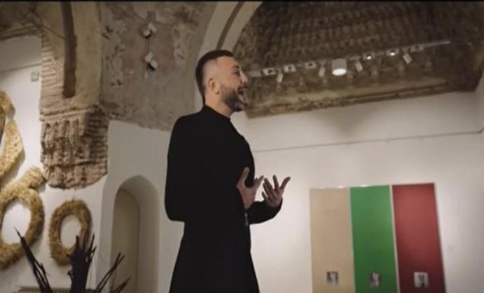 Од галеријата ненамерно ги помешале боите на делото од видео-записот на Гарванлиев
