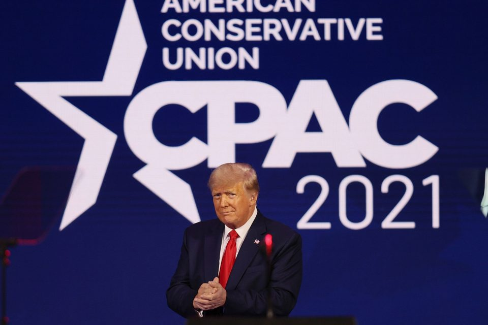 Трамп вели дека нема да формира нова партија
