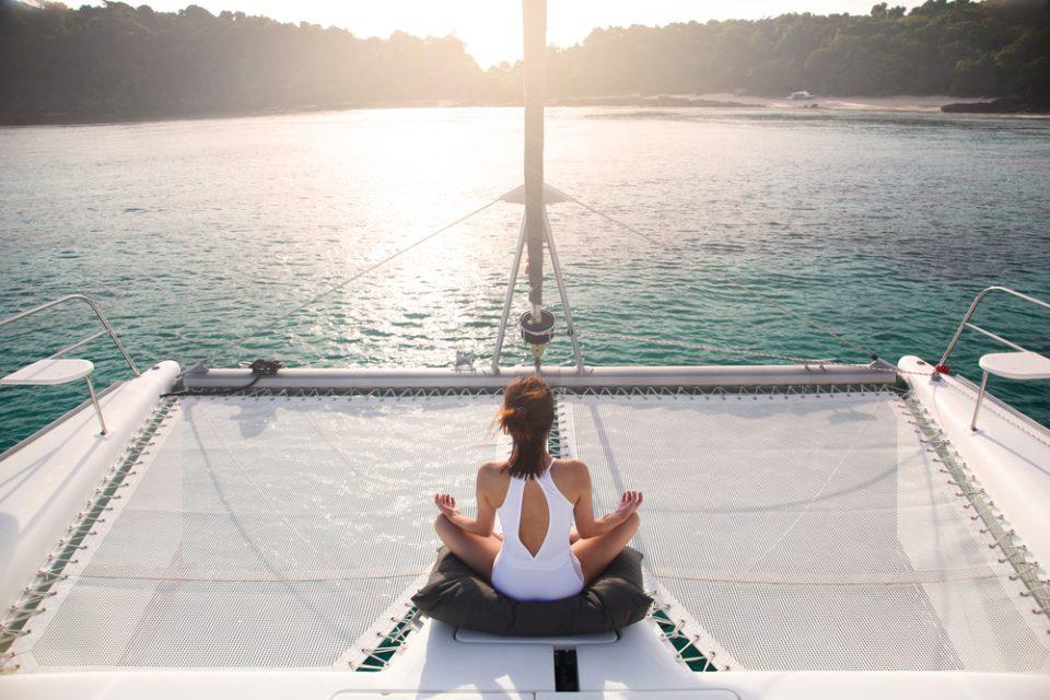 Тајланд со нов план за заживување на туризмот: Посетителите карантинот може да го поминат на јахта