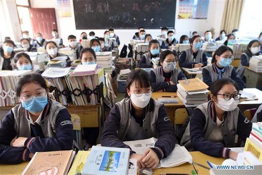 Кинеските власти забранија остри казни за учениците