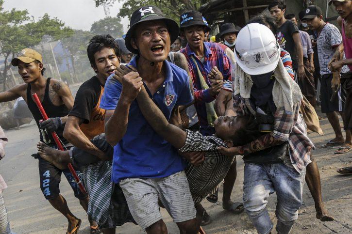(ВИДЕО) Ужас во Мајнмар: Полицијата уби најмалку 14 демонстранти