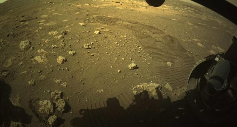(ВИДЕО) Роверот на НАСА првпат се движеше по површината на Марс