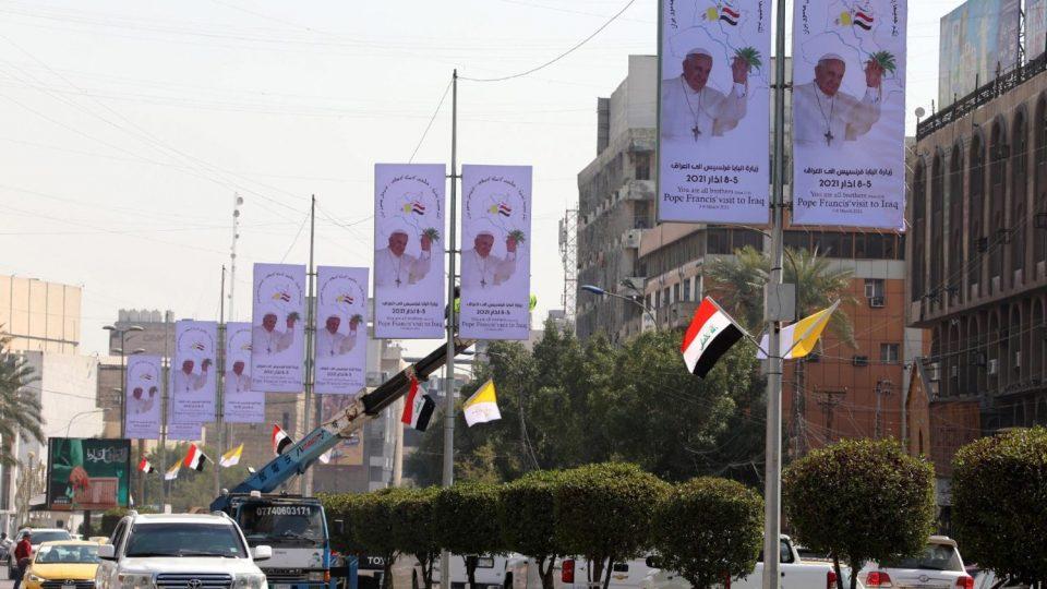 Папата Франциск во посета на Ирак: Доаѓам да се молам за помирување по војната и тероризмот