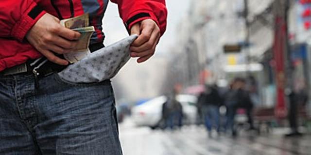 ВМРО ДПМНЕ: Над 500.000 граѓани го преживуваат денот со едвај 130 денари