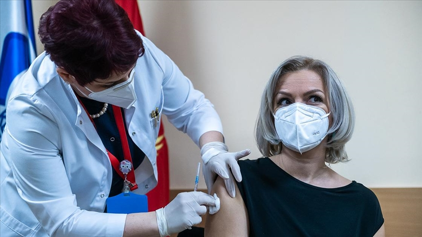 Црна Гора почна со вакцинација на населението