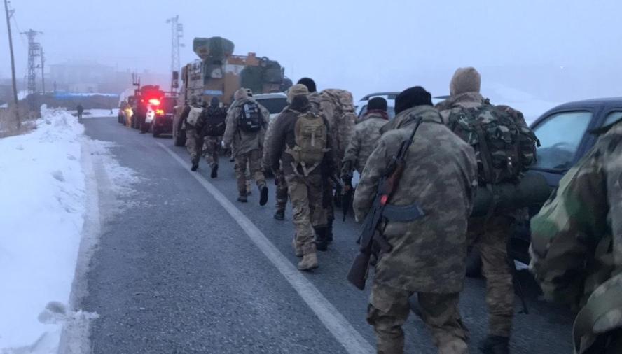 (ВИДЕО) Се урна воен хеликоптер во Турција: Најмалку 11 војници загинаа