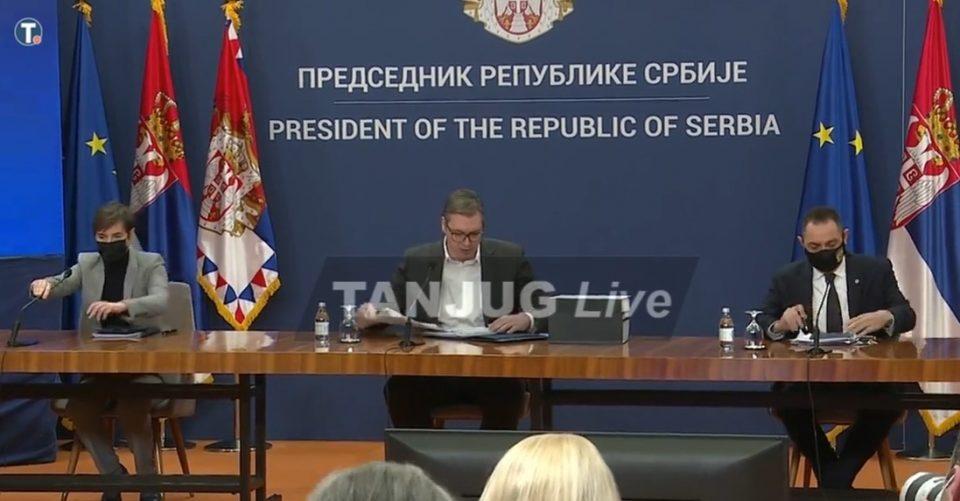 Вучиќ објави вознемирувачки фотографии: Исечени глави и мртви тела се само дел од злосторствата на Беливук